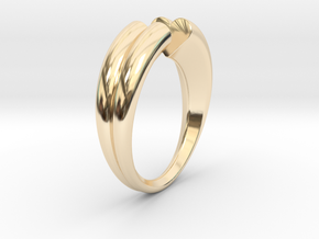 Two hearts meet each other in 14K Yellow Gold