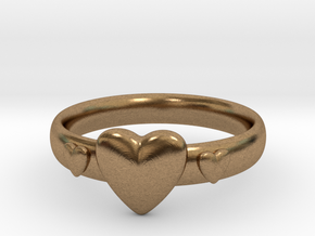 Ring with hearts in Natural Brass