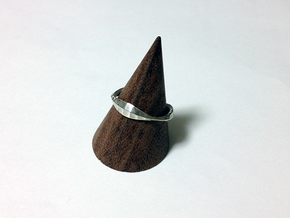 Scaling effect ring in Natural Silver