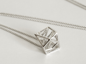 Lien pendant in Fine Detail Polished Silver