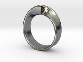 Moebius Ring 18.0 in Premium Silver