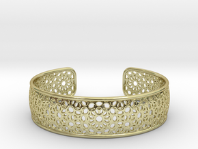 Open Flower Pattern Bracelet in 18k Gold Plated Brass