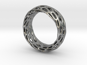 Trous Ring Size 7 in Natural Silver