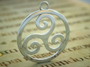 Triskele Pendant 2 in Polished Silver