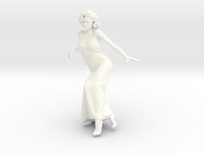 Lady sitting-002 scale 1/24 Passed in White Processed Versatile Plastic