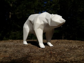 14cm Low Poly Bear Statue in White Natural Versatile Plastic