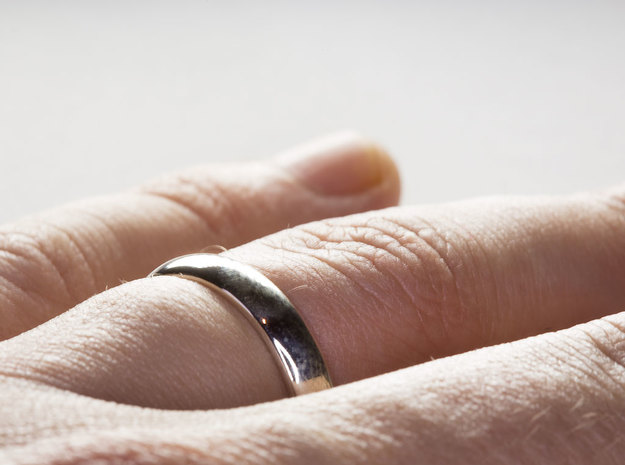 Basic Ring in Fine Detail Polished Silver: 8 / 56.75