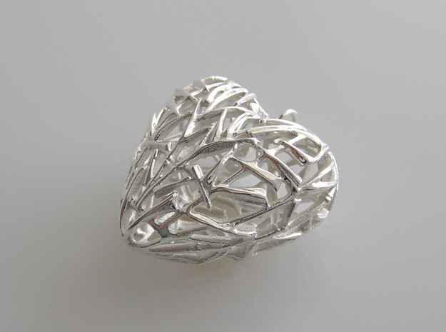 Leaf Bamboo Heart Pendant in Fine Detail Polished Silver