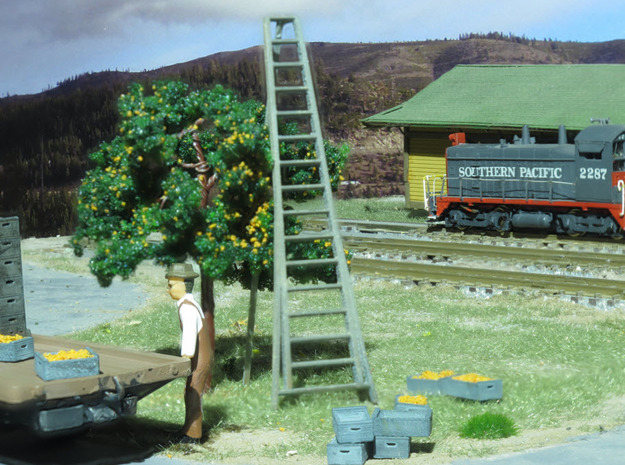 15' Orchard Ladder HO Scale in Smooth Fine Detail Plastic