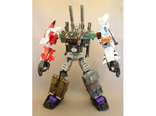 Combiner Wars and Energon female convert joint