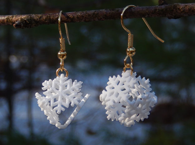 Snowflake Earrings 4 (smaller) in White Strong & Flexible
