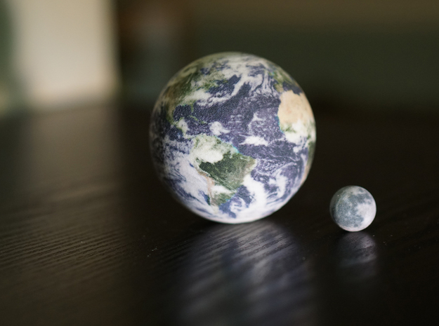 Earth & Moon to scale