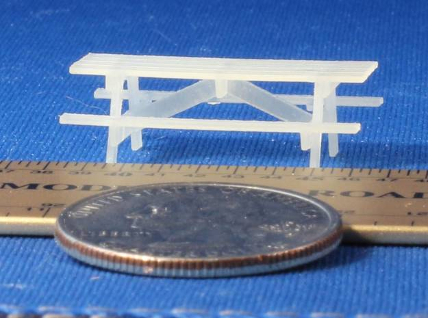 Pinic Tables HO Scale X4 in Smooth Fine Detail Plastic