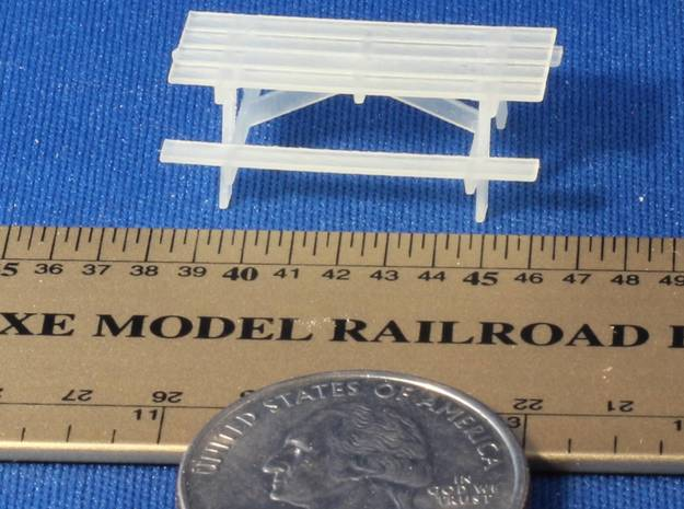 Pinic Tables HO Scale X4 3d printed