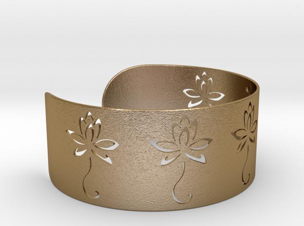 Ø2.677 inch/Ø68 mm Flower Bracelet in Polished Gold Steel