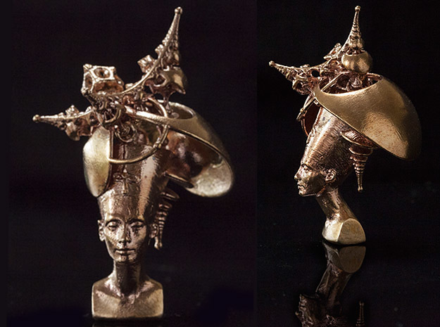 Amulet of Nefertiti's Hyperbolic Manifold Mind II in Raw Bronze