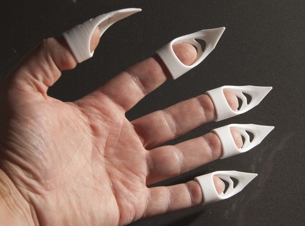 Cat's claw - width 12 mm in White Strong & Flexible