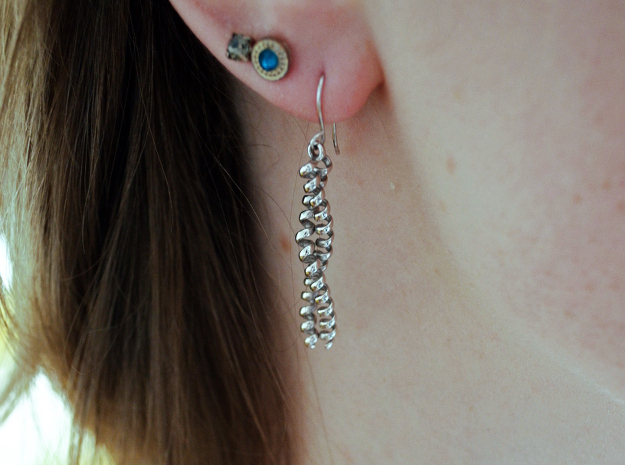 Dimeric coiled coil earring in Rhodium Plated Brass