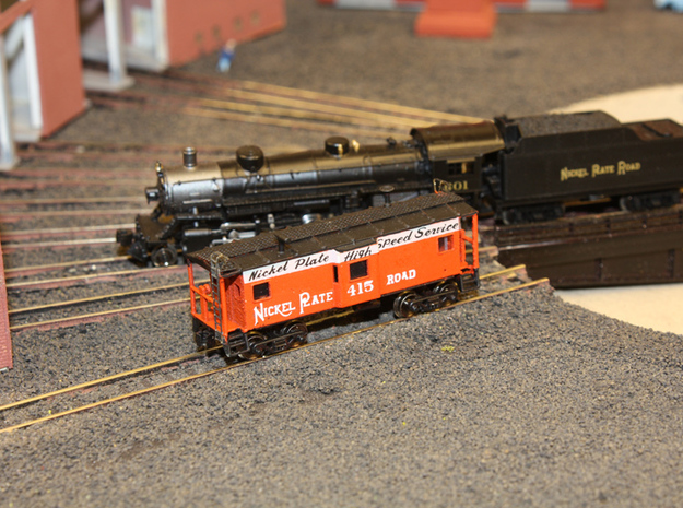 Bay Window Caboose - Zscale 3d printed Painting and photo thanks to @kevsmiththai