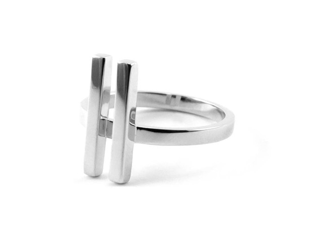 ON MY MIND size M56 17.8 in Fine Detail Polished Silver: Medium