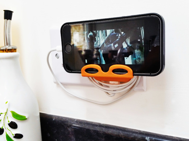 Stug - Charging Stand for iPhones in Orange Processed Versatile Plastic