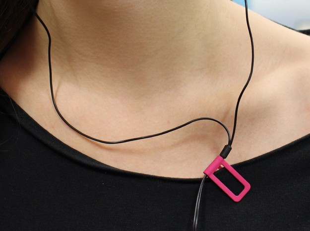 Shirt cable clip for headphone