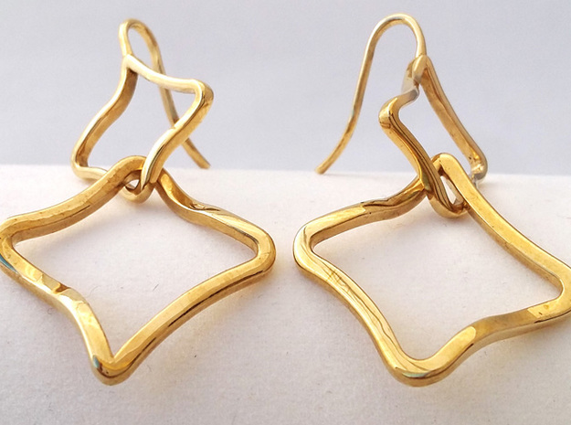 EARRINGS SOFT QUAD in Interlocking Polished Brass