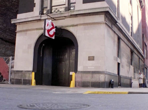 """Firehouse """"Ghostbusters"""" (New York, NY) - Larger M 3d printed """"Ghostbusters"""" Firehouse in 1983 (New York, NY)"""