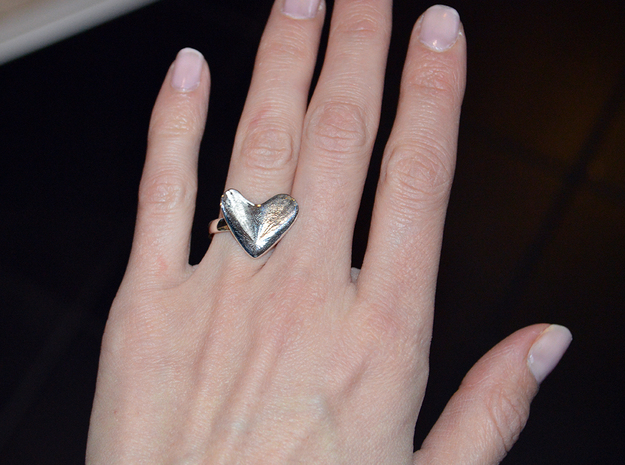 Flying Heart (ring 17mm) in Polished Silver