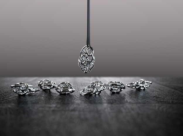 Tangle pendant 2 in Polished Silver