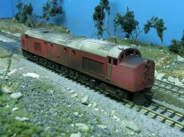 NZ120 NZR eeDF (1954) Incl all sideframes 3d printed Body sitting on a Kato EF58 Chassis, painted & weathered