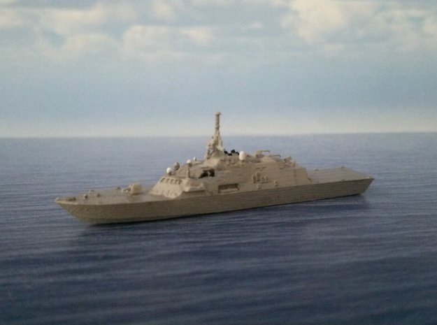 1/2000 USS Freedom in Smooth Fine Detail Plastic
