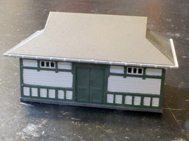 Fruens Bøge Freight house and staff house N scale in Frosted Ultra Detail
