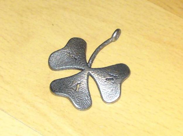 Trekloeveret 3d printed The Inner diameter of the ring for putting the clover on a string/necklace is 2.4 mm