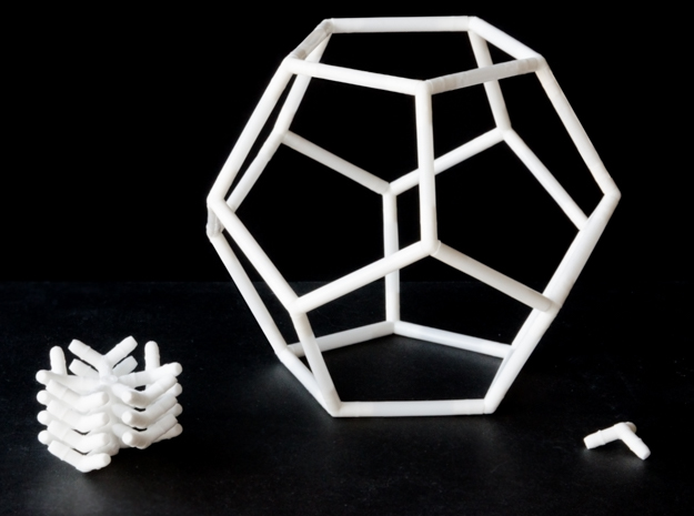 Dodecahedron straw connectors in White Natural Versatile Plastic