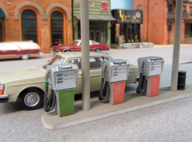 HO Vintage Gas Pump in Smooth Fine Detail Plastic
