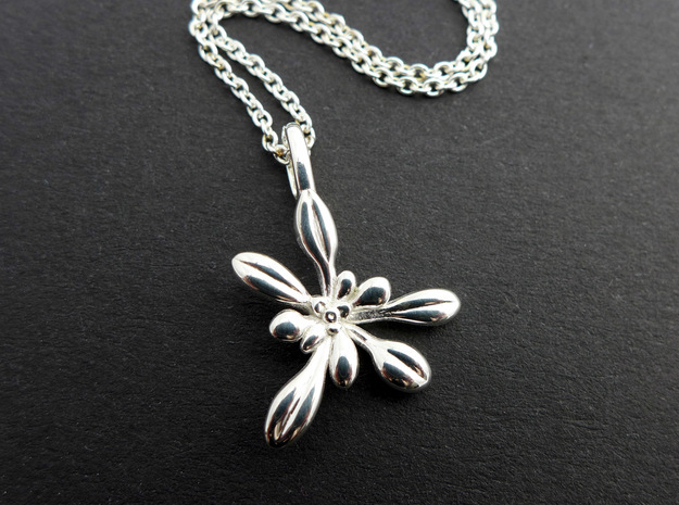 Small Arabidopsis Rosette Pendant in Polished Silver