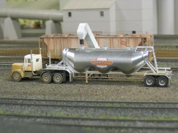 HO 1/87 Dry Bulk Trailer 11 - Heil 1040 Superjet 3d printed I've now added some home-made decals.