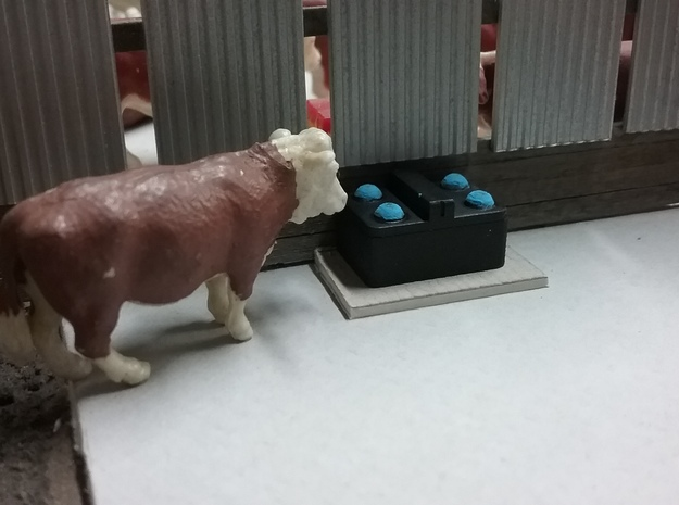 1/64 4 Ball Cattle Waterer in White Strong & Flexible: 1:64 - S