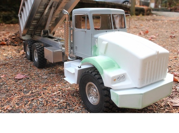 Fenders-Kenworth T800 3d printed Spotted truck in the making (RC builder with code name KAF343)