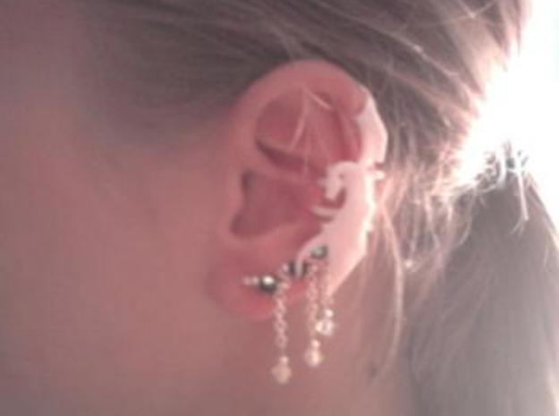 Dragon Cuff Earring Right 3d printed Crappy Cell Phone Photo but it show that other earrings can be worn with this!