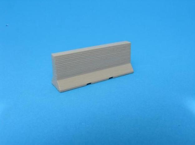 HO/1:87 Jersey barrier 3m in White Natural Versatile Plastic