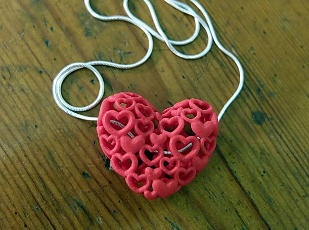 Heart by Heart 35mm Pendant. 3d printed red as real hearts in a snakechain