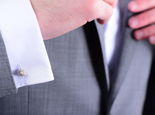 Little Dragon, Cufflinks