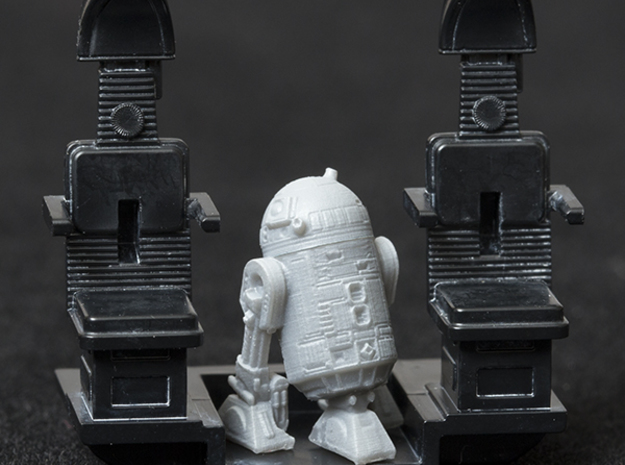 1/72 Scale Figure for Bandai Millennium Falcon in Frosted Extreme Detail