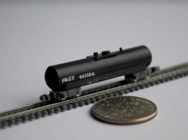 T Gauge 8 Tank Car Set in Frosted Extreme Detail