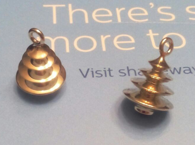 Xmas Tree Pendant 2cm tall in Polished Brass