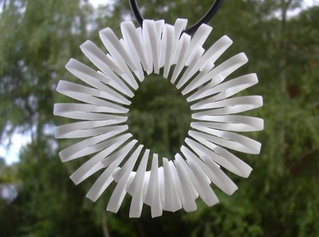 Spiralling figure 8 with 360 degree twist in White Natural Versatile Plastic