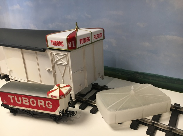 Tuborg Hat 1:32 in Smooth Fine Detail Plastic