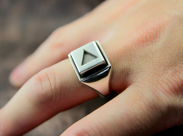 Play Button Ring 3d printed This material is Polished Silver , Patinated with bleach